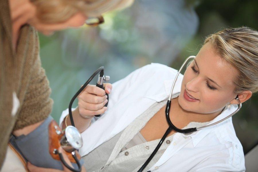 liaudies gynimo priemonės vyresnio amžiaus žmonių hipertenzijai gydyti regėjimo praradimas ir hipertenzija