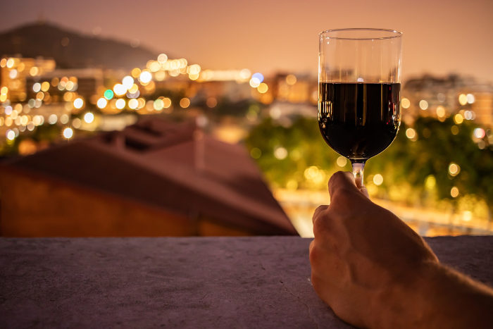 Į sveikatą, pakelkime raudono vyno taurę? | taf.lt