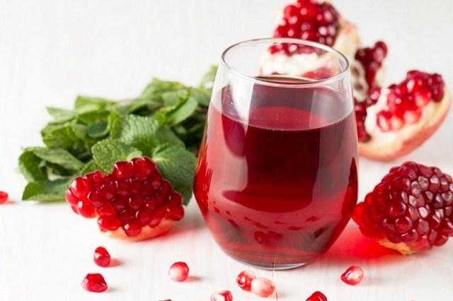 Granatų sultys – geidžiamiausias sezono gėrimas