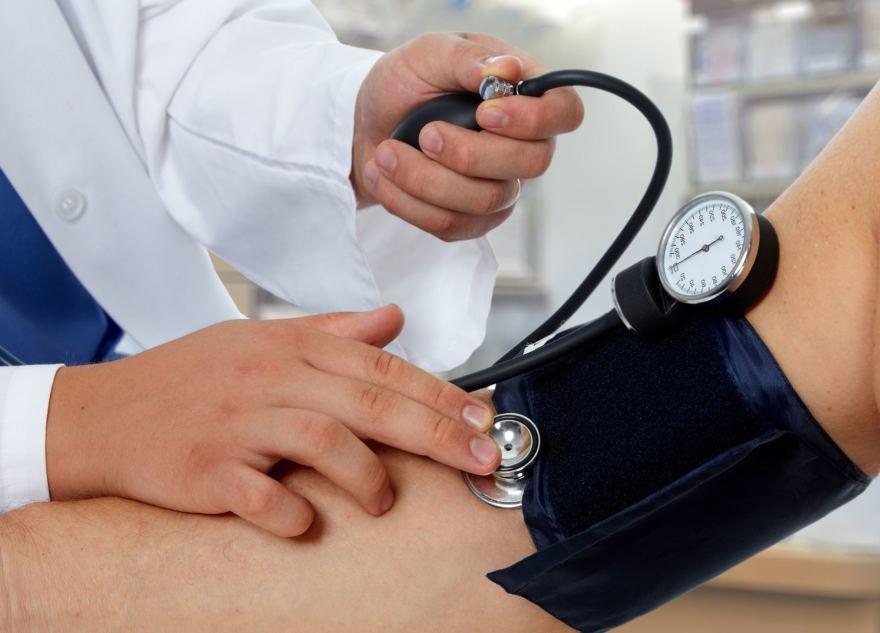 hipertenzijos simptomai ir pirmoji pagalba inkstų hipertenzijos pasireiškimo mechanizmas