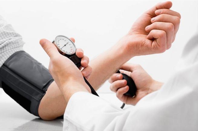 hipertenzija ir pagyvenusių žmonių ritmo sutrikimai