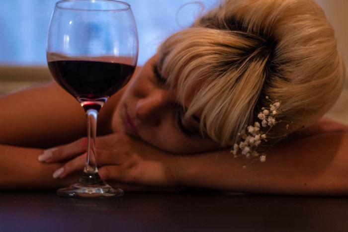 Išaiškino tikrąją kasdienės vyno taurės įtaką sveikatai - DELFI Sveikata
