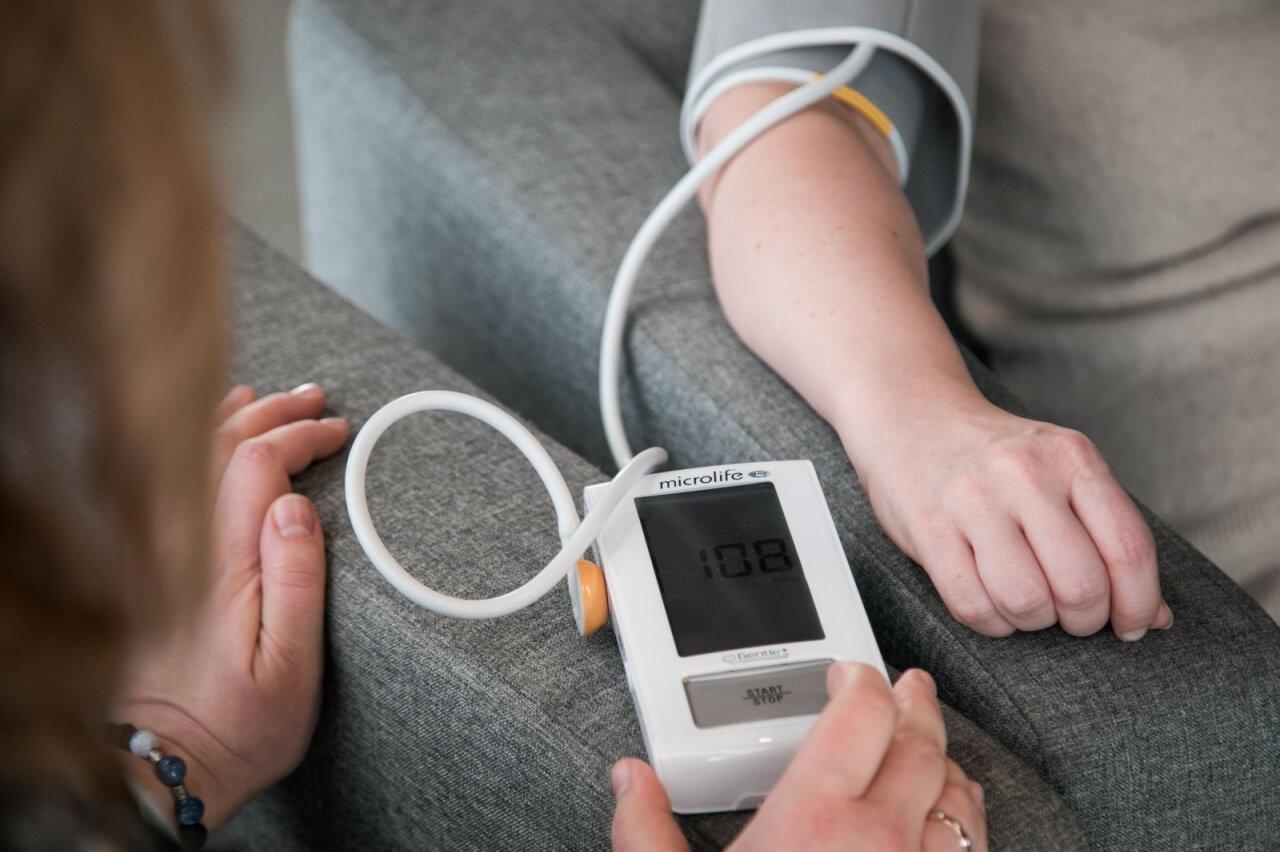 hipertenzijos kraujospūdžio matavimas hipertenzijos priežastys 2 laipsniai
