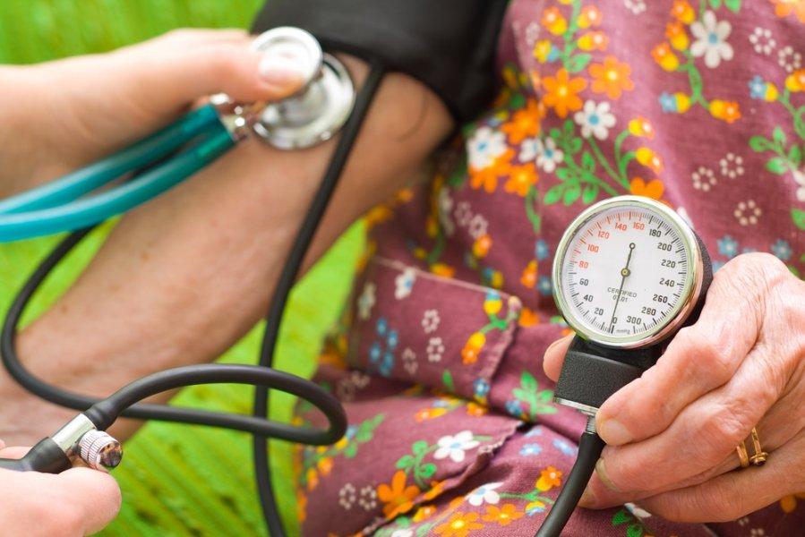 ką daryti su hipertenzija namuose