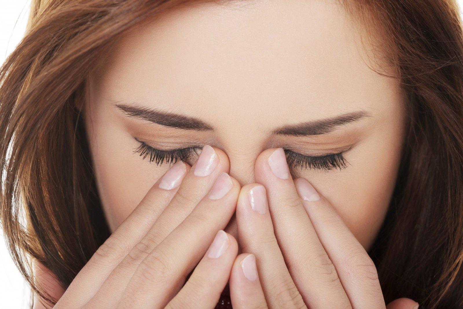 Akių tinklainės angiopatija: liga, kurios negalima pradėti - Hipertenzija
