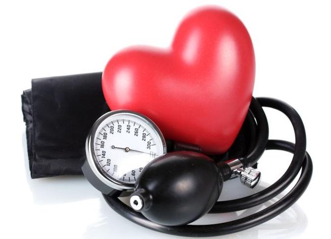 hipertenzija nuo kūno padėties