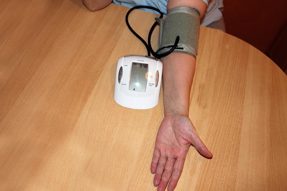 ieško hipertenzijos priežasties